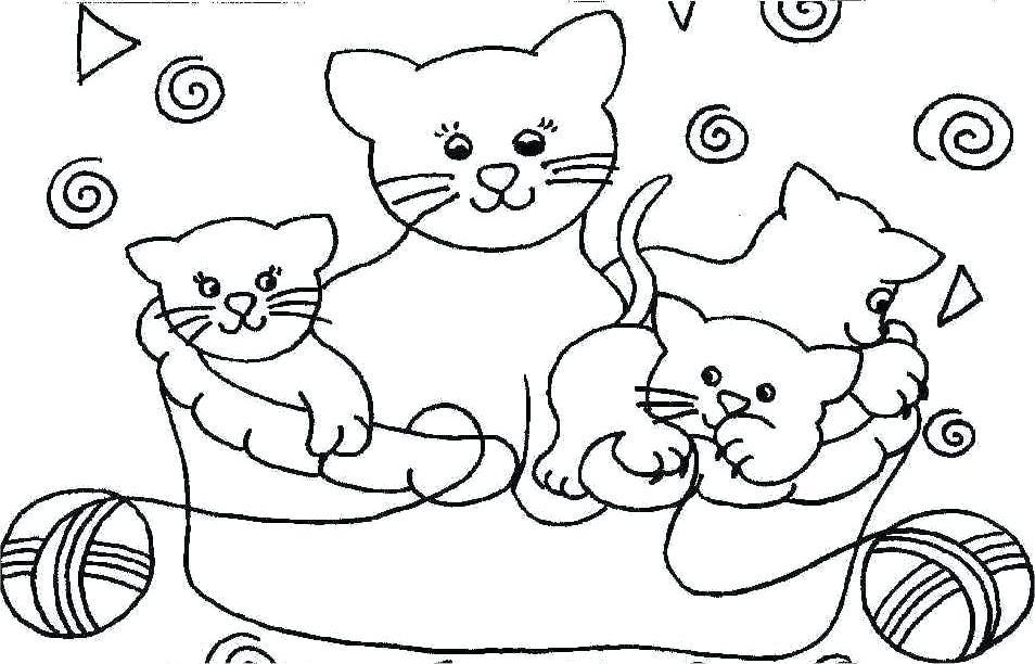 Раскраска кошки играют с комком шерсти