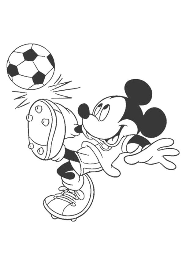 Раскраска Микки Маус играет в футбол