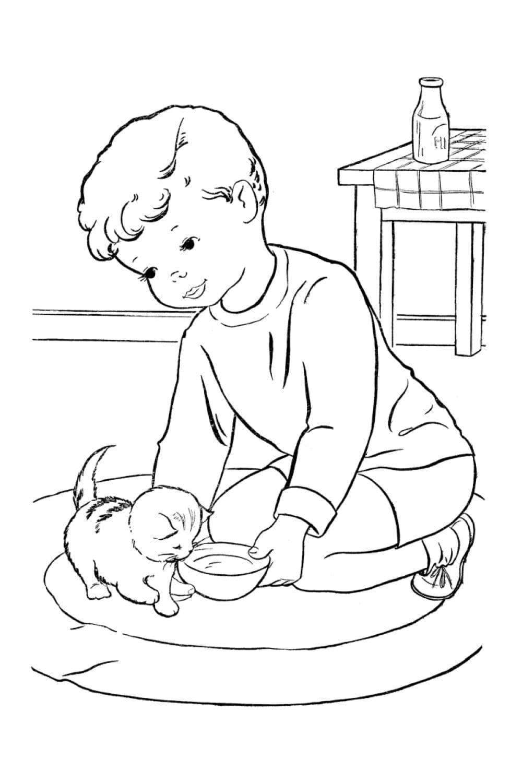 Раскраска Котенку подают миску с молоком
